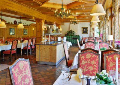 Mönchs Waldhotel Gastronomie heimische Schwarzwaldstube
